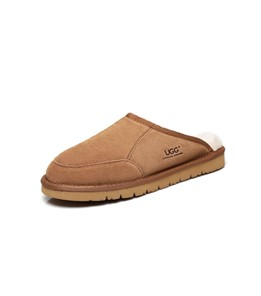Bred UGG Slipper